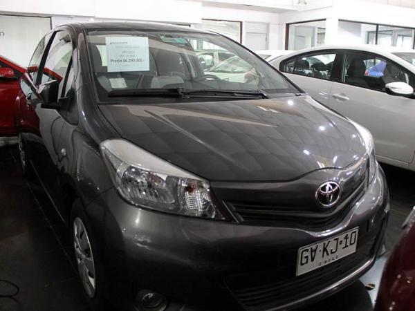 Toyota Yaris . año 2014
