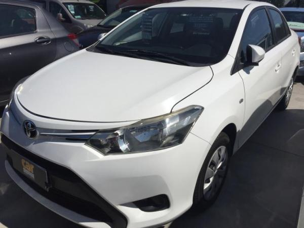 Toyota Yaris 1.5 MT AC año 2014