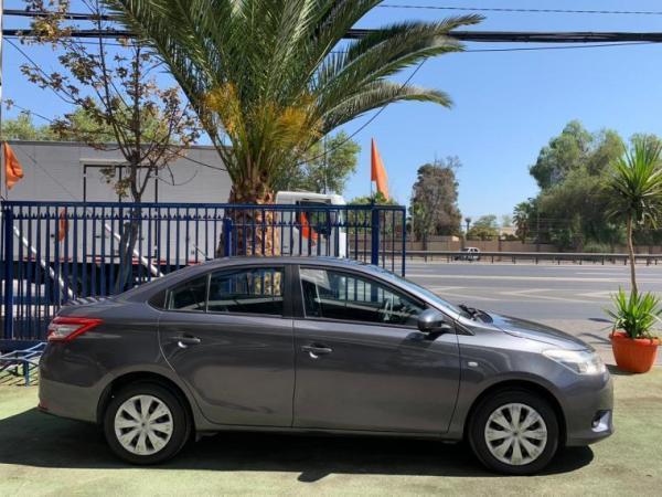 Toyota Yaris SPORT GLI 15HME0 año 2014