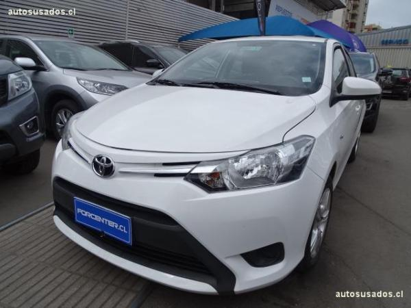 Toyota Yaris GLI 1.5 . año 2014