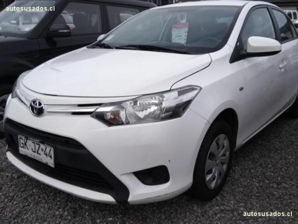 Toyota Yaris 1.5 XLI año 2014