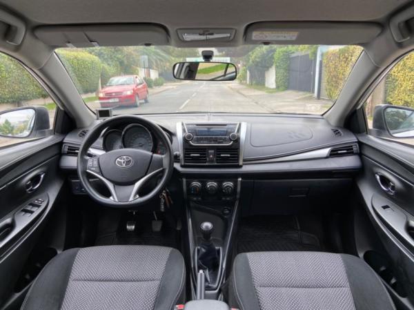 Toyota Yaris GLI año 2014