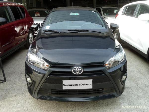 Toyota Yaris E HB año 2015