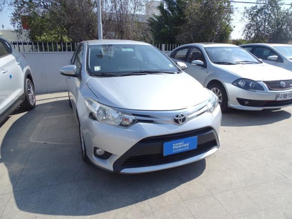 Toyota Yaris AT año 2016