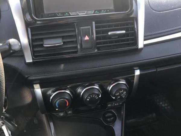 Toyota Yaris GLI 1.5 año 2016