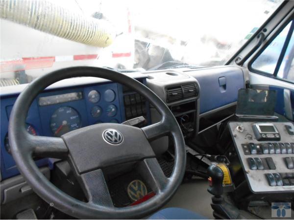 Volkswagen 17180M  año 2011