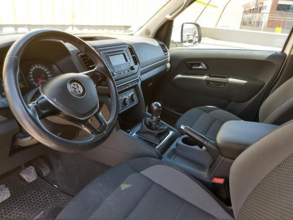 Volkswagen Amarok 4X2 TRENDLINE año 2017