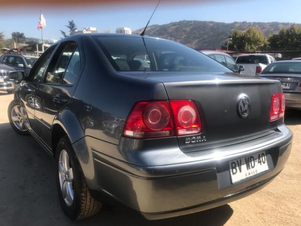 Volkswagen Bora 2.0 TRENDLINE AUTO año 2009