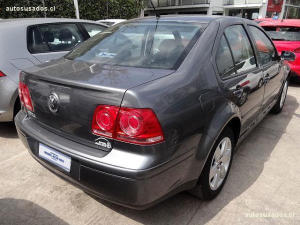 Volkswagen Bora TRENDLINE año 2012