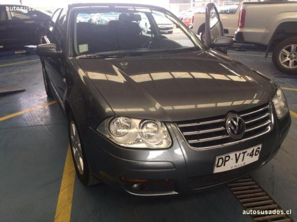 Volkswagen Bora BORA TRENDLINE SKY 2.0 año 2012