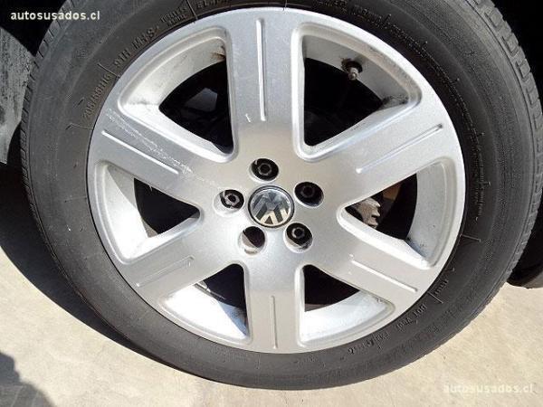 Volkswagen Bora TRENDLINE SKY 2.0 año 2012