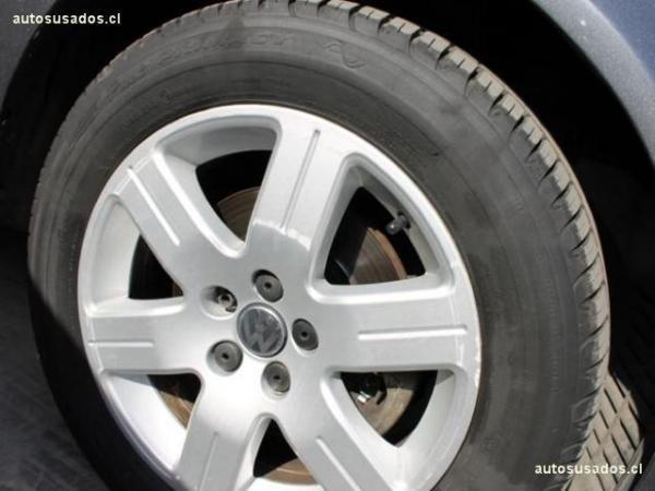 Volkswagen Bora TRENDLINE 2.0 MT año 2013