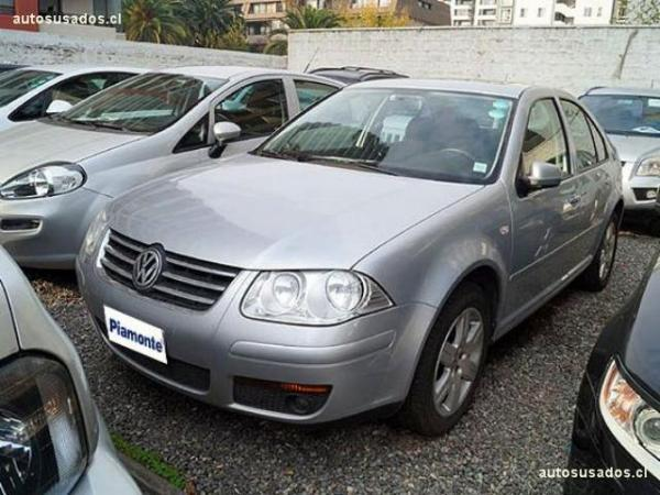 Volkswagen Bora TRENDLINE SKY 2.0 año 2014
