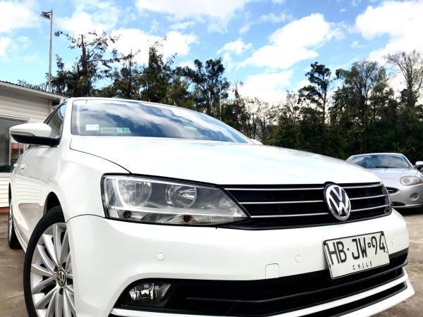 Volkswagen Bora 1.4 TSI LUXURY AT año 2015