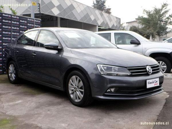 Volkswagen Bora 1.4 ADVANCE TURBO año 2015