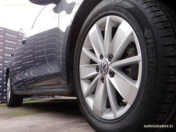 Volkswagen Bora 1.4 ADVANCE TURBO año 2015
