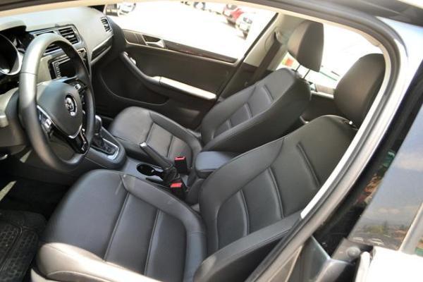 Volkswagen Bora Luxury 1.4 año 2017
