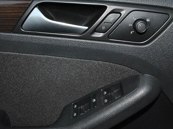Volkswagen Bora TRENDLINE 1.4 año 2018