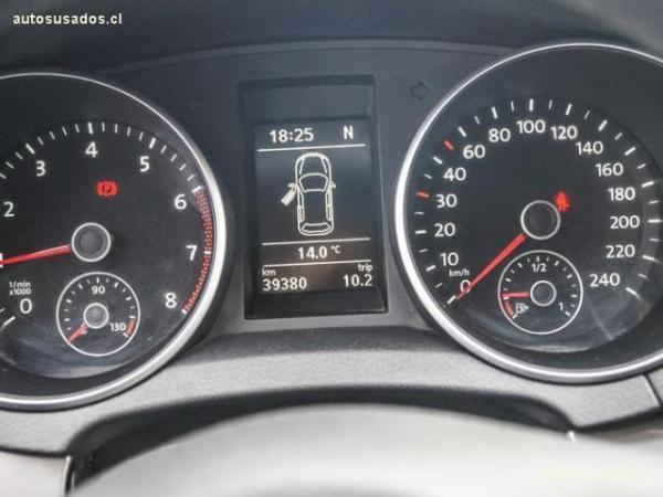 Volkswagen Golf 1.6 HIGHLINE año 2012