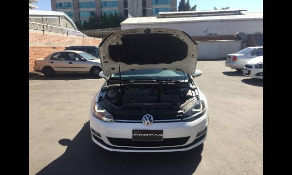 Volkswagen Golf 2.0 SPORT año 2017