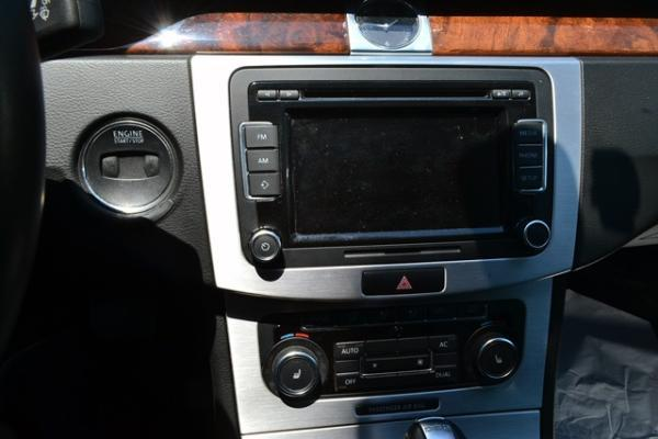 Volkswagen Passat PASSAT TSI 1.8 año 2012
