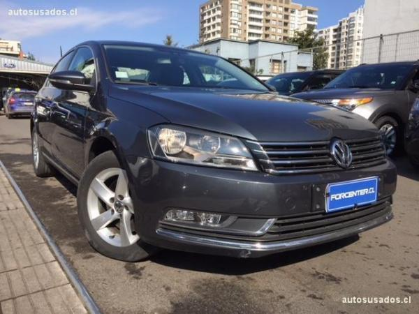 Volkswagen Passat LUXURY 2.0 . año 2015