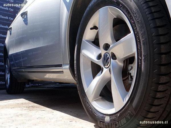 Volkswagen Passat 1.8 TURBO año 2015