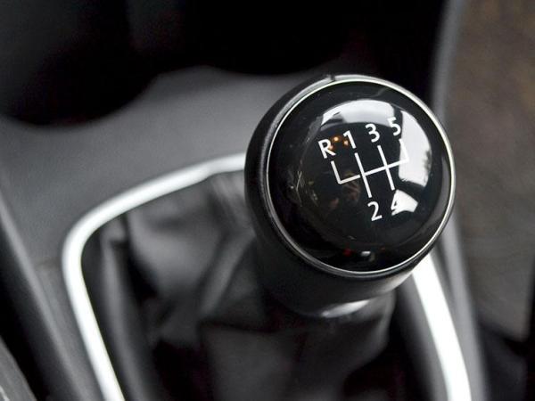Volkswagen Polo HIGHLINE 1.6 año 2017