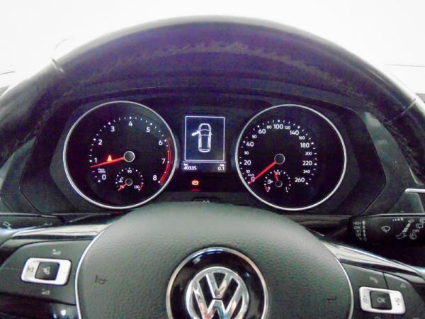 Volkswagen Tiguan TSI MT TRENDLINE 150 HP 5 año 2018