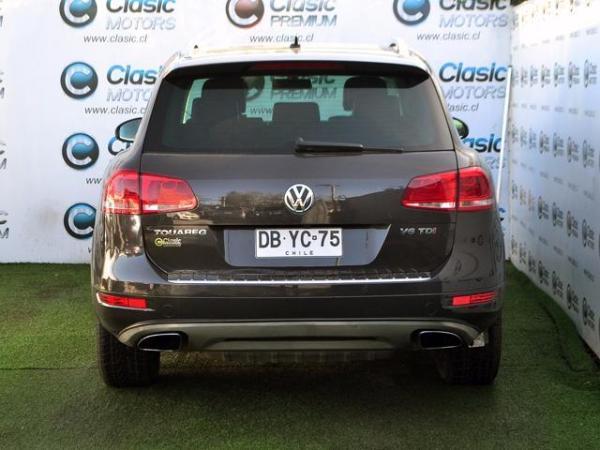 Volkswagen Touareg TDV6 año 2011
