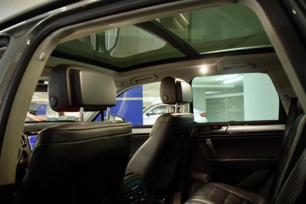Volkswagen Touareg V8 4.2 DUEÑO año 2015