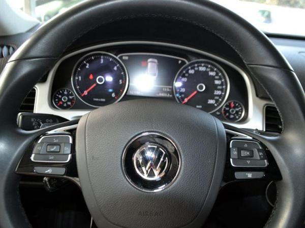 Volkswagen Touareg TDI 3.0 año 2016