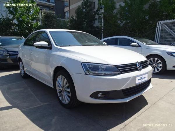 Volkswagen Vento CONFORT LINE 2.0 AT año 2012