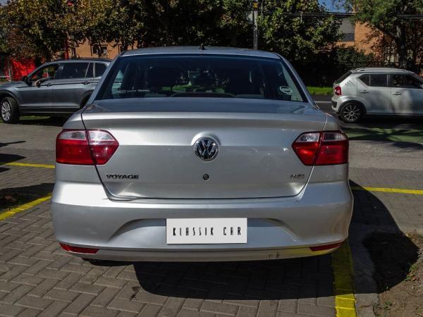 Volkswagen Voyage 1.6 año 2018