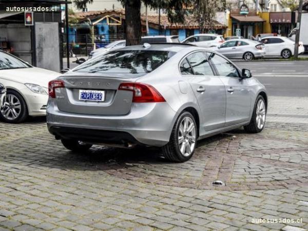 Volvo S 60 2.0 T5 240HP año 2012