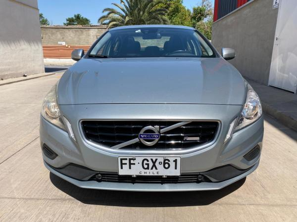 Volvo S60 2.0 T5 AT R-DESIGN año 2013