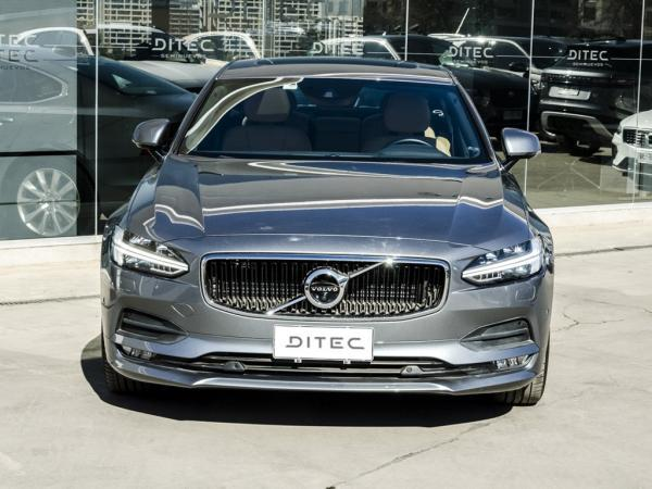 Volvo S90 D5 AWD año 2019