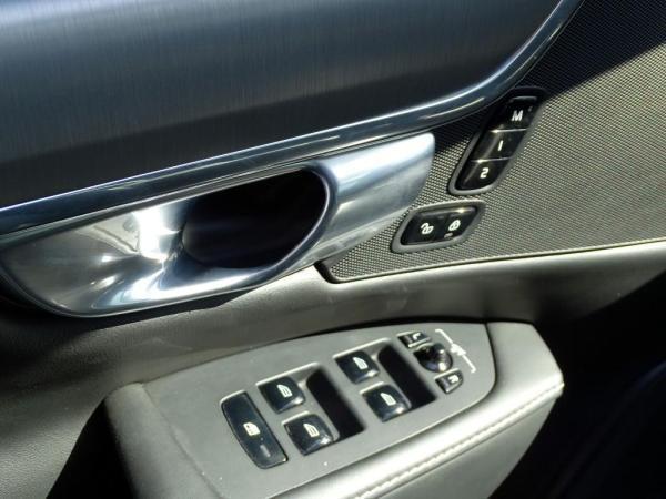 Volvo S90 D5 MOMENTUM AWD año 2019