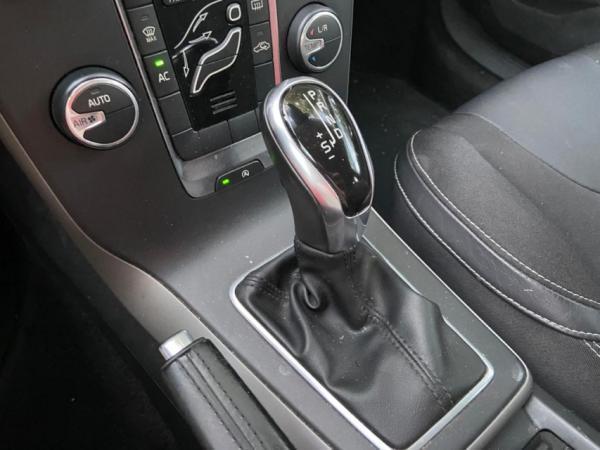 Volvo V40 T4 año 2014