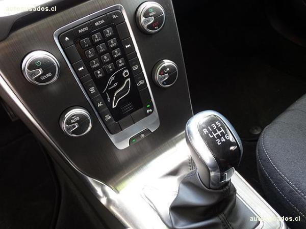 Volvo V40 D2 año 2015