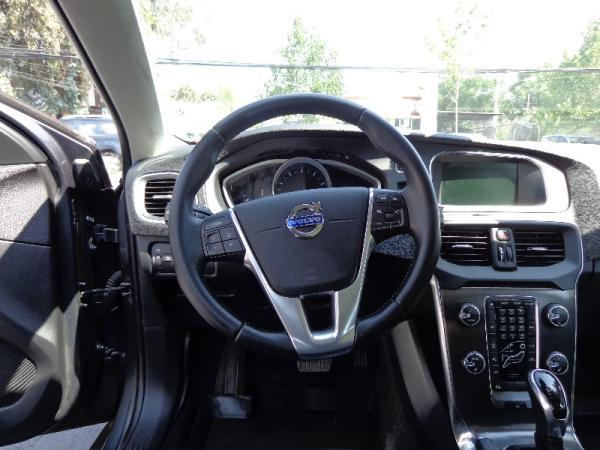 Volvo V40 T4 R DESING año 2015
