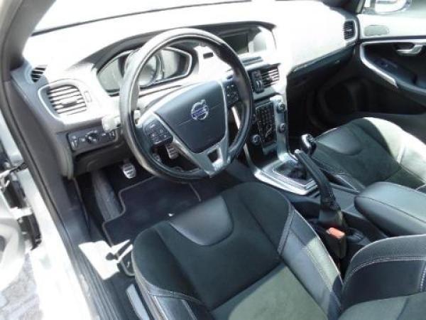 Volvo V40  año 2016