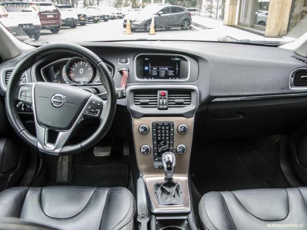 Volvo V40 CROSS COUNTRY T5 AWD LIMI año 2017