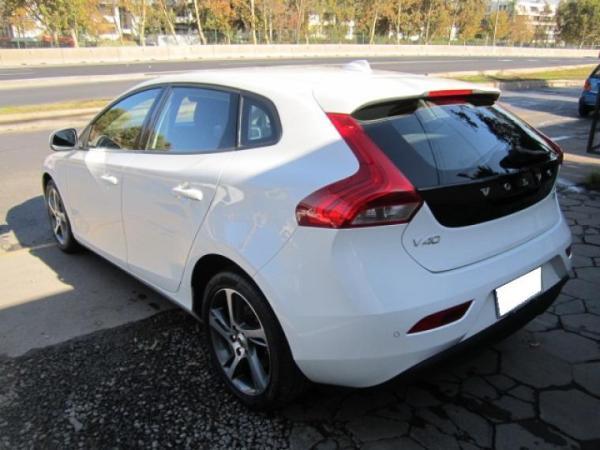 Volvo V40 D2 DSL MT año 2018