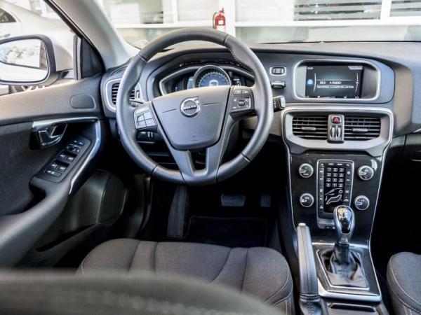 Volvo V40 1.6 T3 año 2019