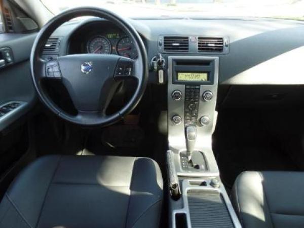 Volvo V50  año 2010