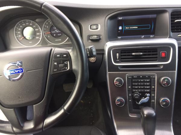 Volvo V60 CONFORT año 2011