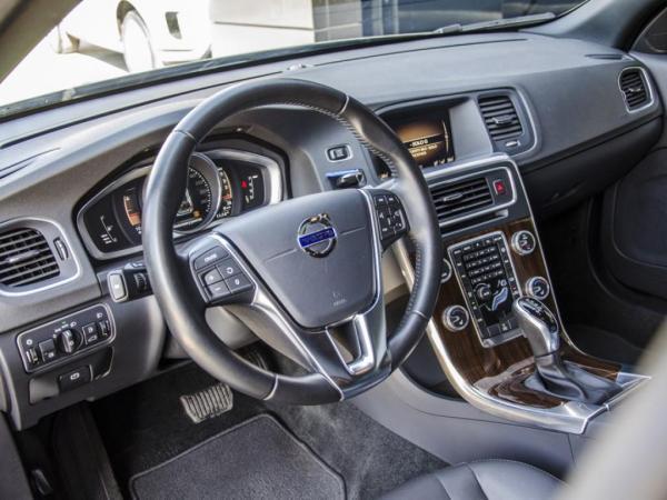 Volvo V60 CROSS COUNTRY D4 AWD año 2018