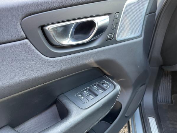 Volvo XC 60 D5 INSCRIPTION AWD año 2018