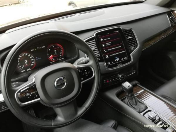 Volvo XC 90 XC90 D5 AWD MOMENTUM 235H año 2016